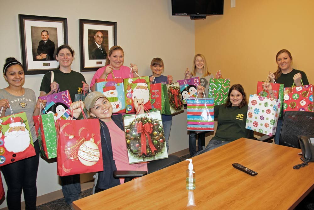 Judson College students give holiday